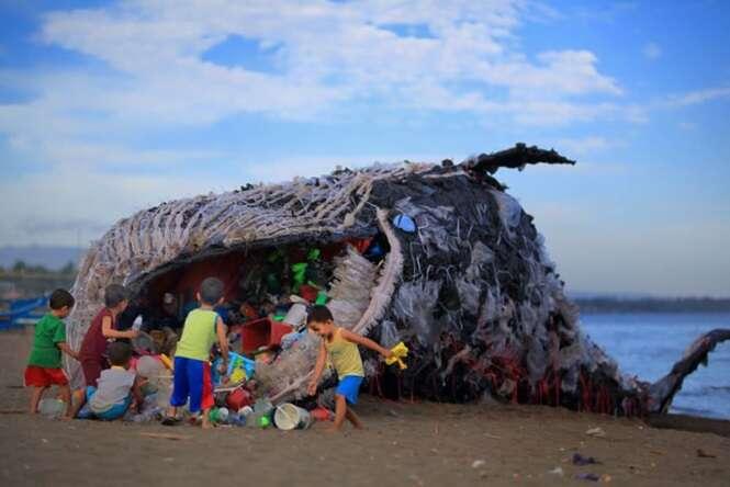 """""""Baleia morta"""" nas Filipinas nos adverte que a poluição está ficando fora de controle"""