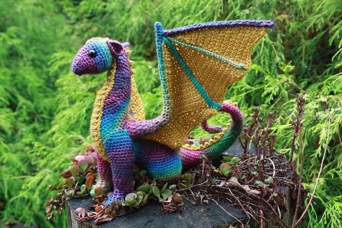 Lindos dragões feitos de crochê