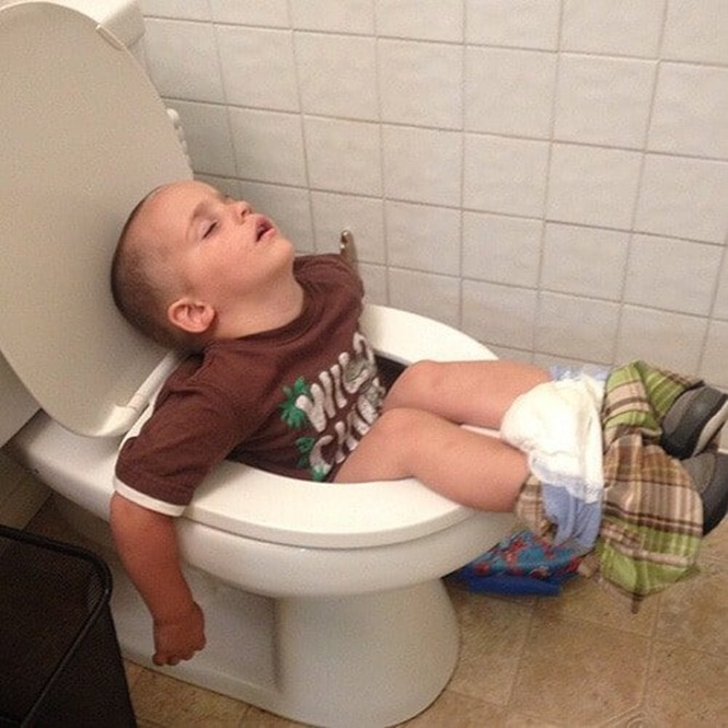 Seleção traz 15 fotos provando que as crianças conseguem dormir em qualquer lugar. Imagens são pra lá de divertidas. Foto: RecreoViral