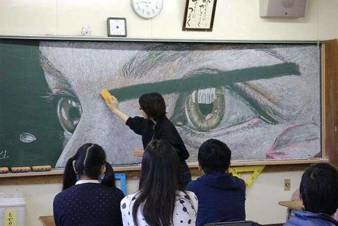 Desenhos incríveis feitos por alunos antes do professor chegar