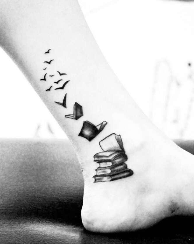 Belas tatuagens as quais quem é apaixonado por livros pode se interessar