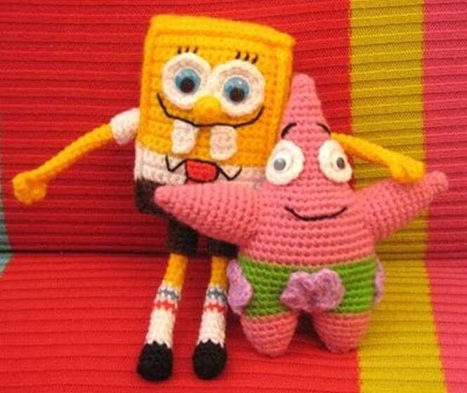 Bonecos de crochê homenageando 4 desenhos animados