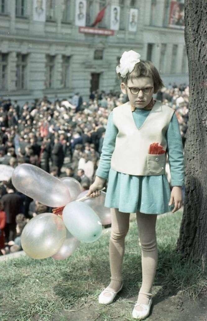 Internautas estão postando suas fotos de infância mais constrangedoras, e é impossível não rir