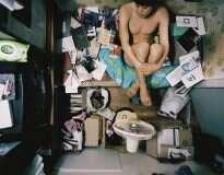 Fotógrafo revela a difícil realidade de quem vive em cômodos de 4 metros quadrados na Coreia do Sul